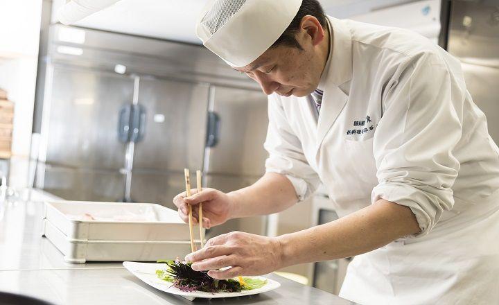 《別邸個止吹気亭ロイヤルスイート》毎月1回1組だけの部谷総料理長プロデュースの日